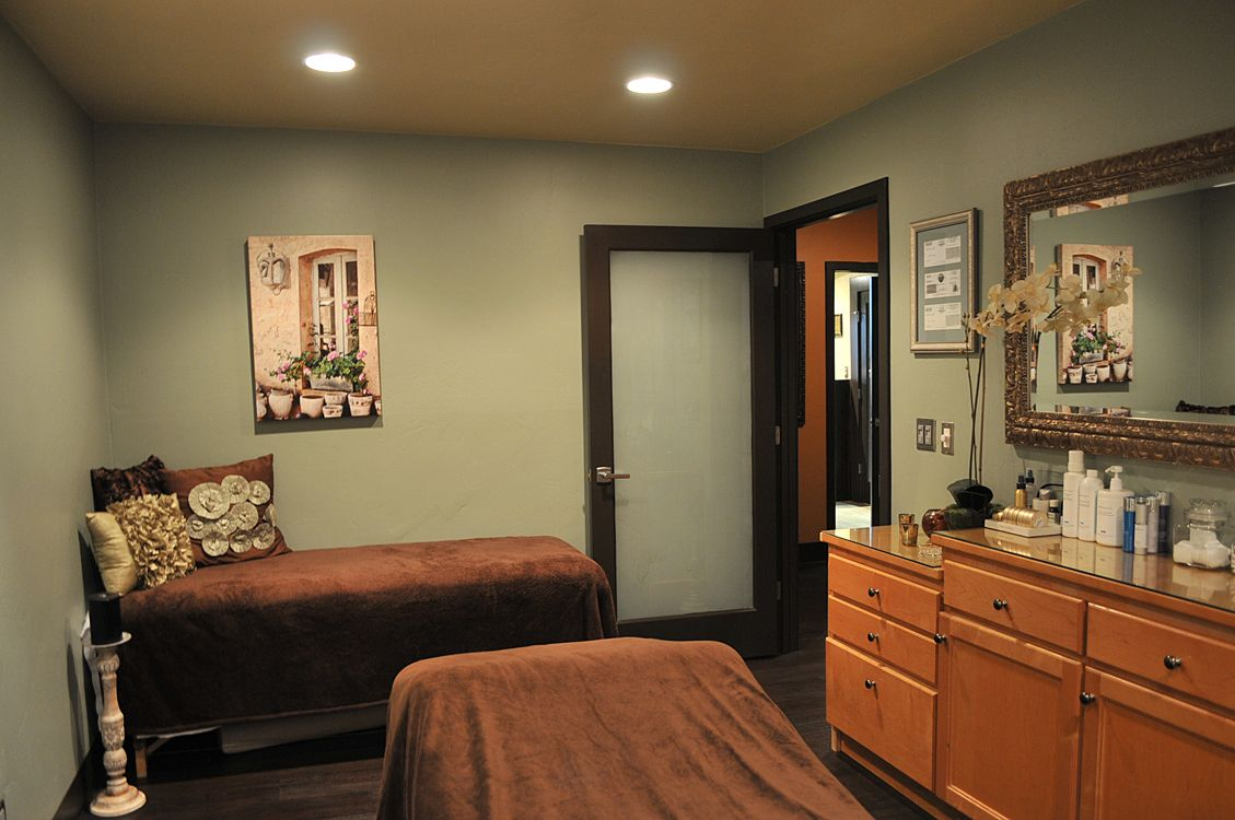 Our Couples Massage Room Escape Together  Work Related -3456