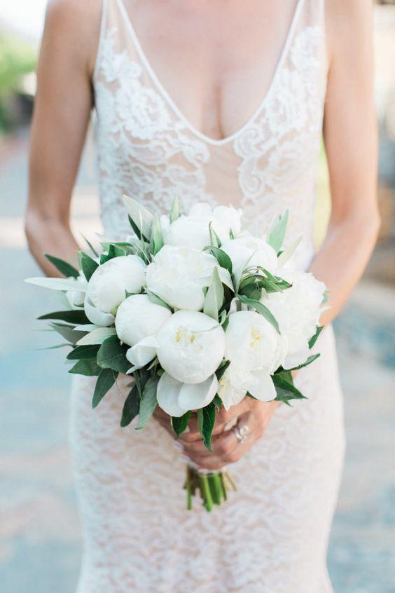 50 Zjawiskowych Bukietow Slubnych Z Piwonii White Peonies Bouquet White Peony Bouquet Wedding Peony Bouquet Wedding