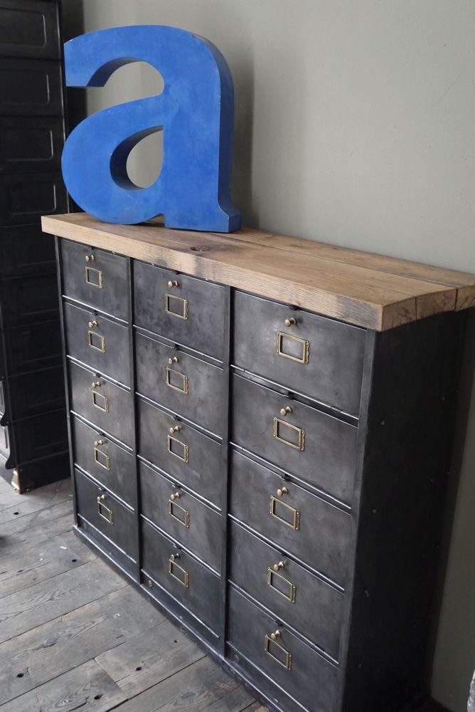 ancien meuble console 15 casiers industriel a clapet roneo 1940 plateau chene massif casier. Black Bedroom Furniture Sets. Home Design Ideas