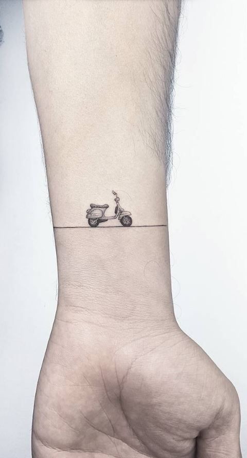 Little Vespa Tattoo Inkstylemag Piaggiovespa Made By Ahmet Cambaz Tattoo Artists In Istanbul Turkey Region Motorcycle Tattoos Vintage Tattoo Bike Tattoos