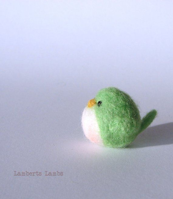 Felted bird, Needle felted bird in Green, handmade wool bird #feltbirds
