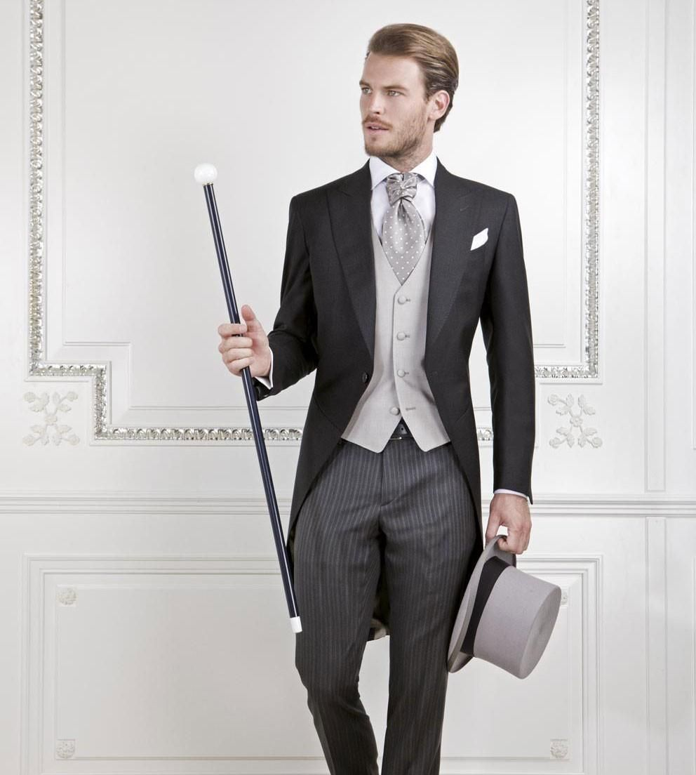 New Design Handsome Tailcoat Groom Tuxedos Men\'s Wedding Dresses ...