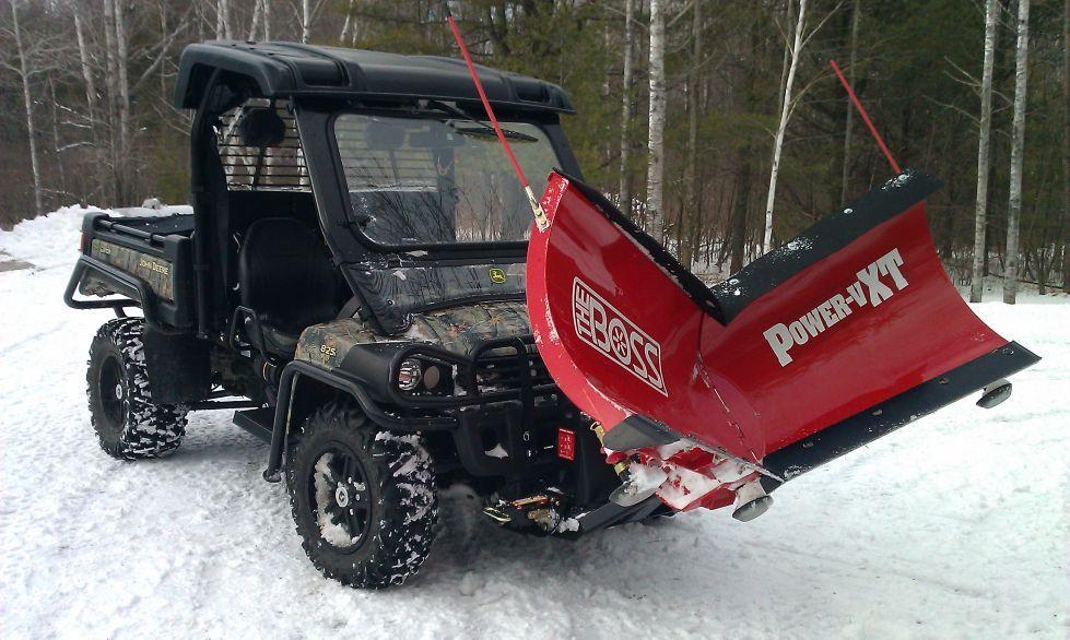 John Deere Gator Plow >> John Deere Gator 825i With The Boss Power Vxt Snow Plow Toys