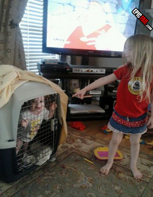 parenting-fail-baby-dog-cage
