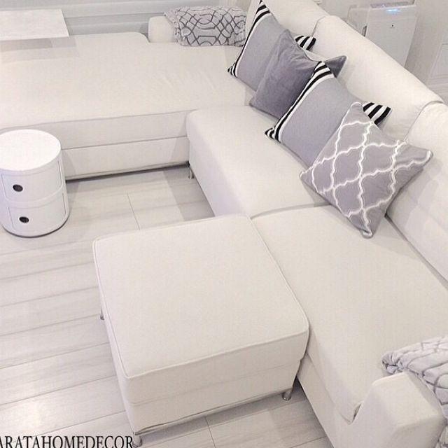 リビング ホワイトインテリア 白 ソファー 真っ白 などのインテリア実例 2015 02 07 10 28 43 Roomclip ルームクリップ ソファー 白 ソファ 白 コンポニビリ