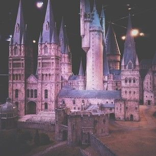 Every Exterior Shot Of Hogwarts Was Made Using This Model It Took Seven Months And 40 People To Make It Harry Potter Movies Harry Harry Potter