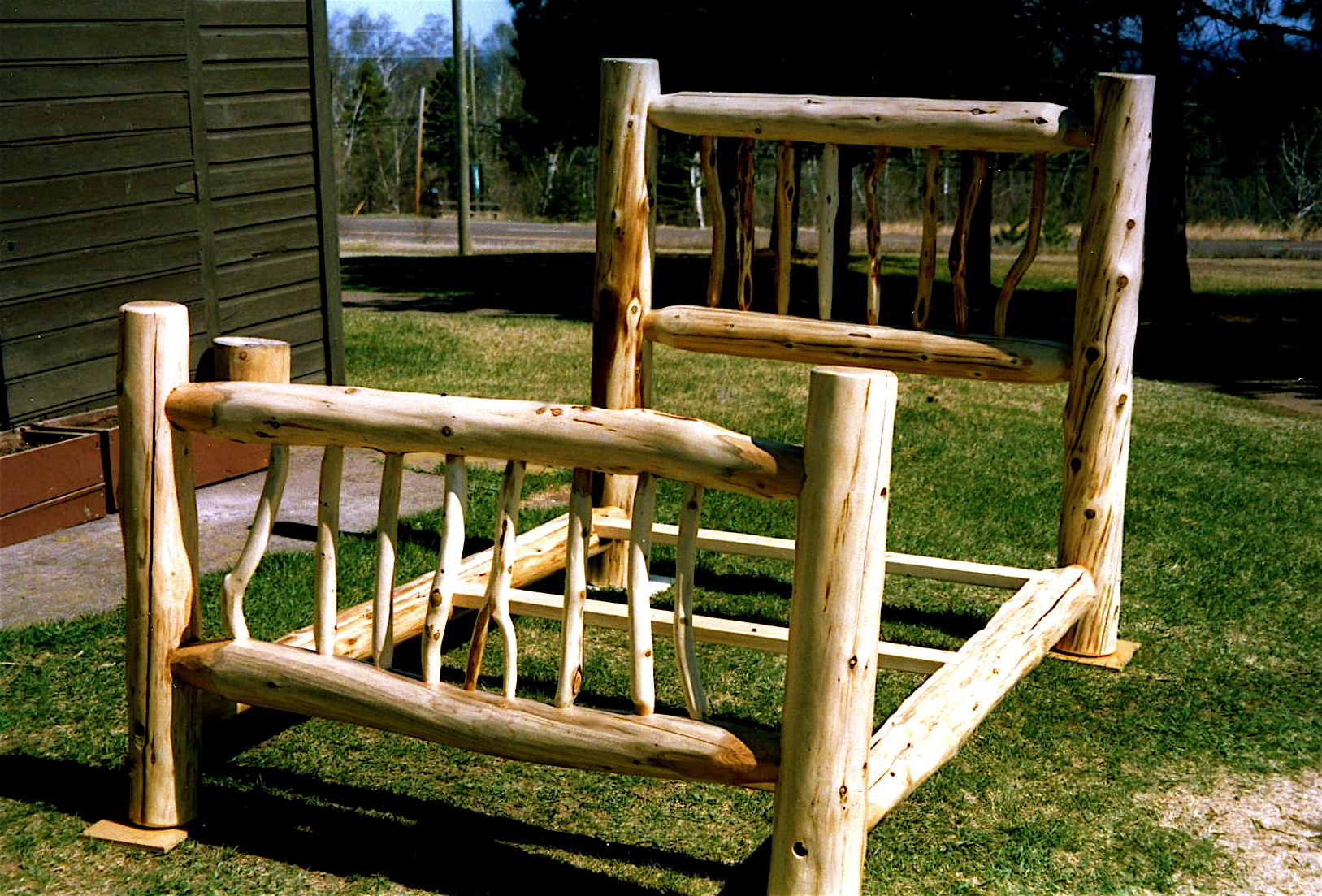 cedar wood bed frames   mnartists.org   Dave Woerheide   Diamond willow inlaid agate table II