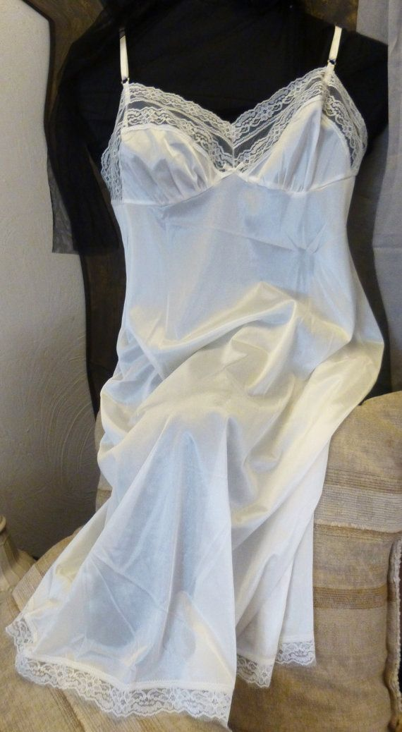 Vintage blair nylon dress slip sexy off white lace by for Bra for wedding dress shopping