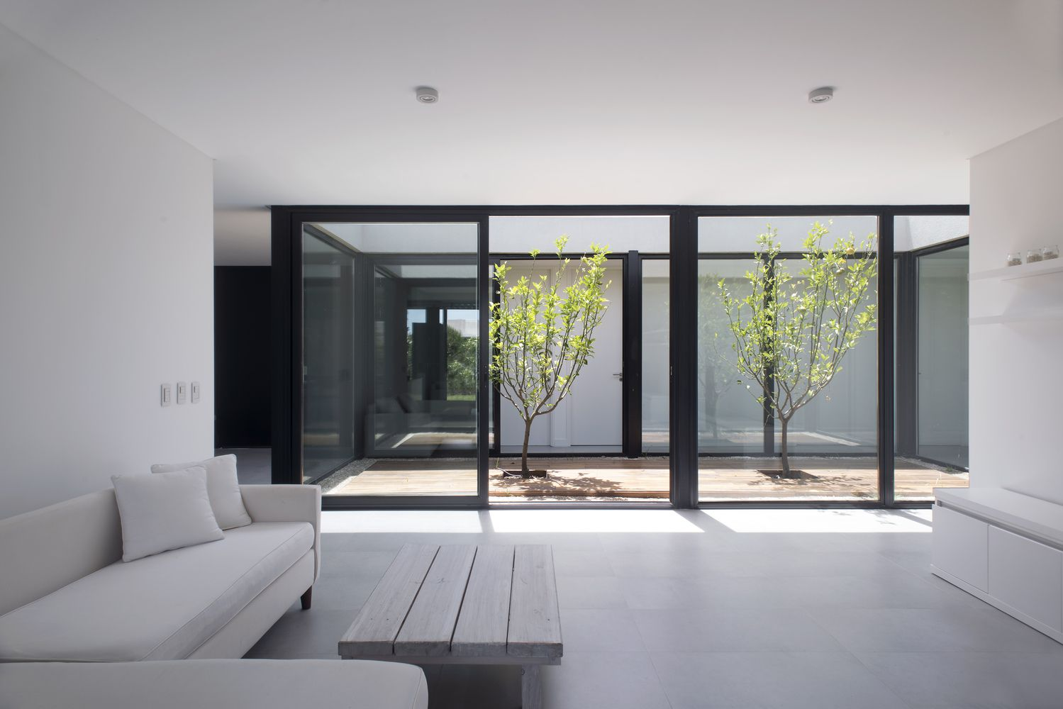Gallery of house 2lh luciano kruk 4 living with large windows
