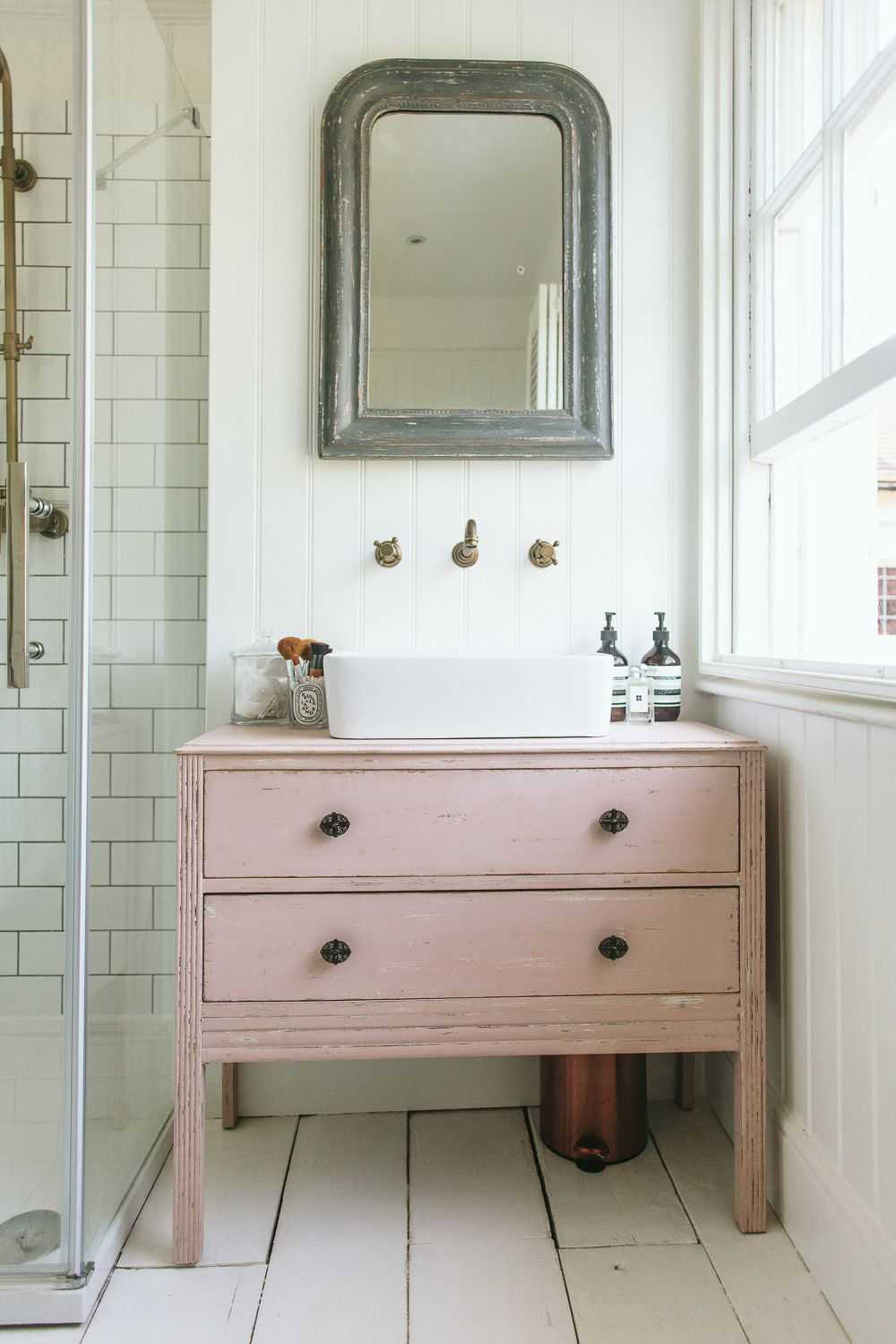 An Intro To The Modern Traditional Style Stylish Bathroom