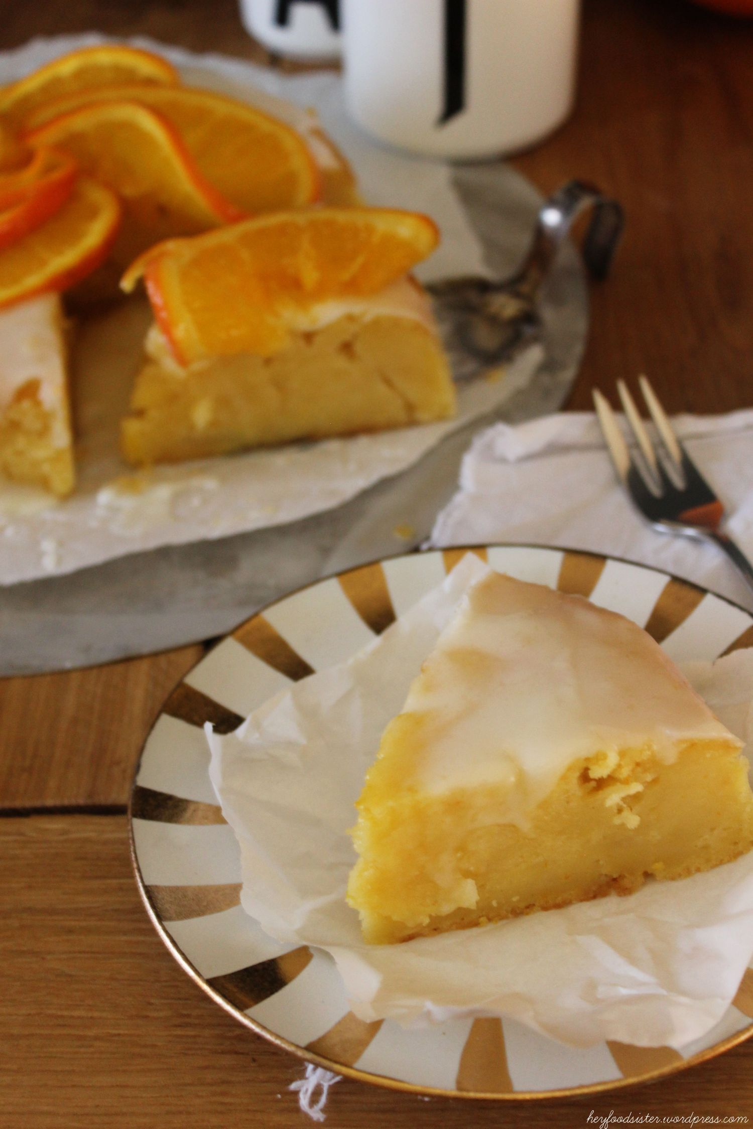 ein zitrus buttermilchkuchen mit einer extraladung