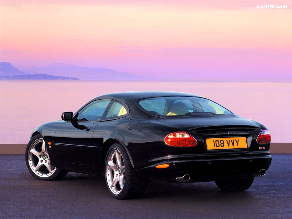 Amazing Jaguar XKR Coupe (2003)