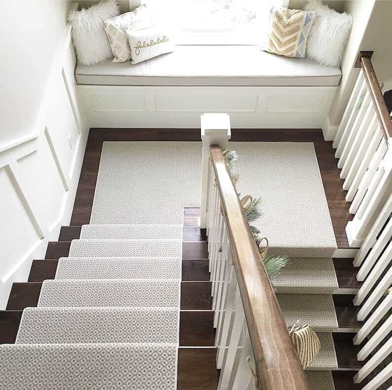 How to Choose and Lay a Stair Runner An Overview
