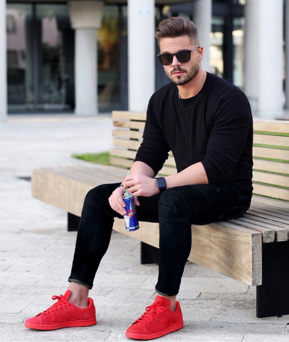 Feudo grande brumoso  Outfit masculino com destaque para o tênis Adidas vermelho. Veja mais dicas de  moda masculina co… | Ropa moderna hombre, Combinar ropa hombre, Ropa casual de  hombre