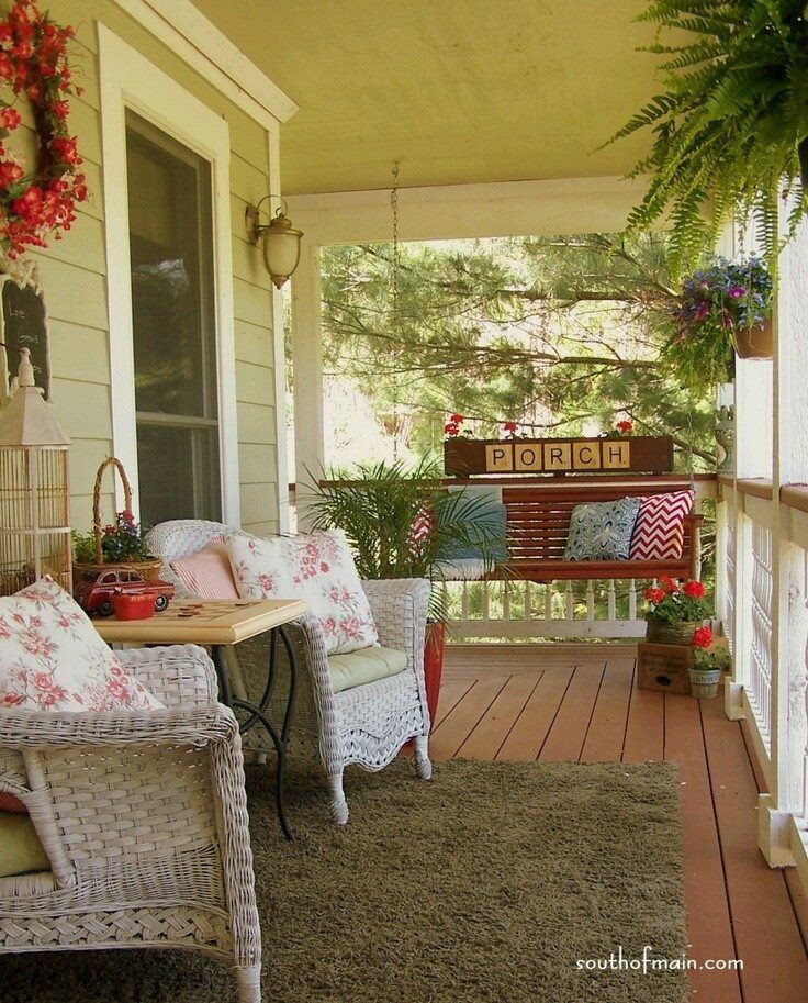 Pin by Terri Branch on Porches Porch decorating, Front