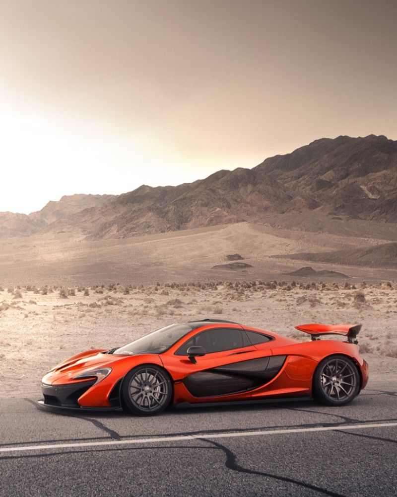 McLaren P1 Sideview on the desert #mclarenp1