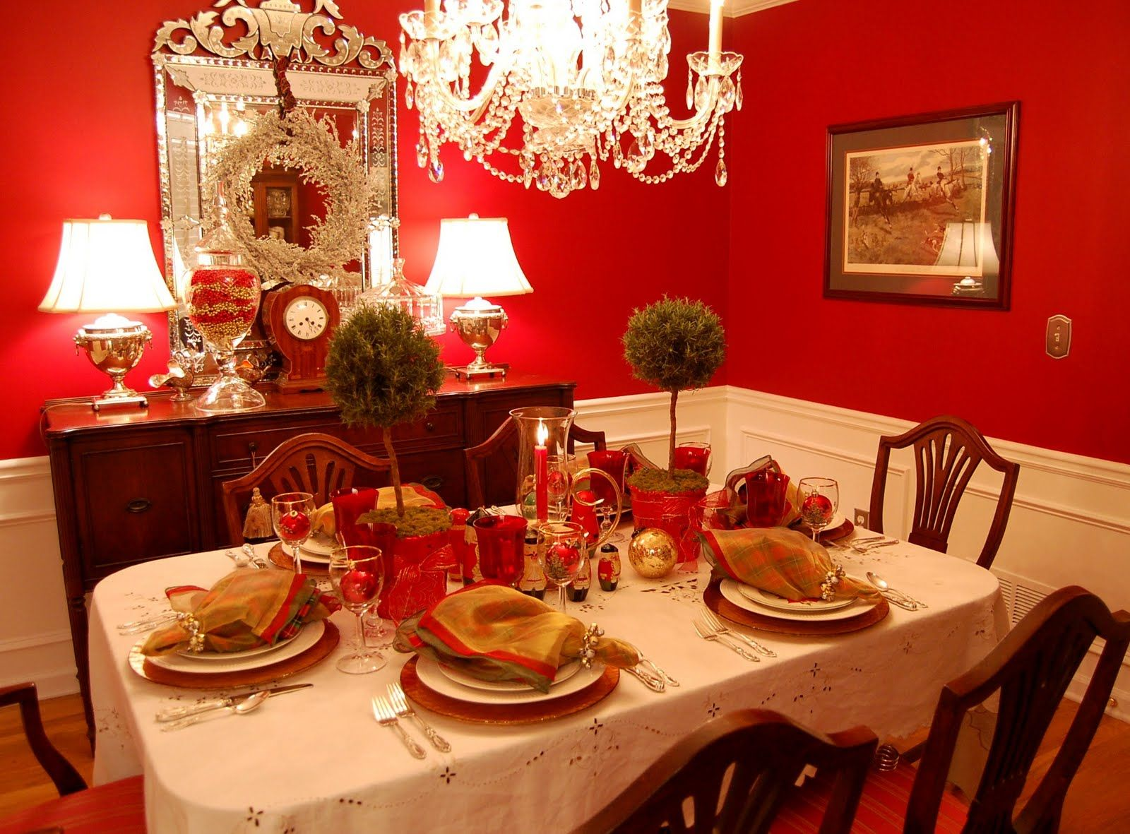 Christmas Table Setting With Topiary Centerpiece