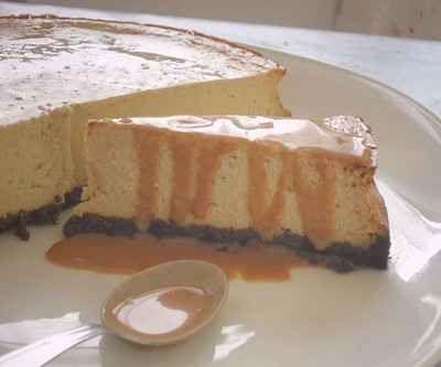 Cheesecake banane sauce caramel au lait de coco et rhum ...