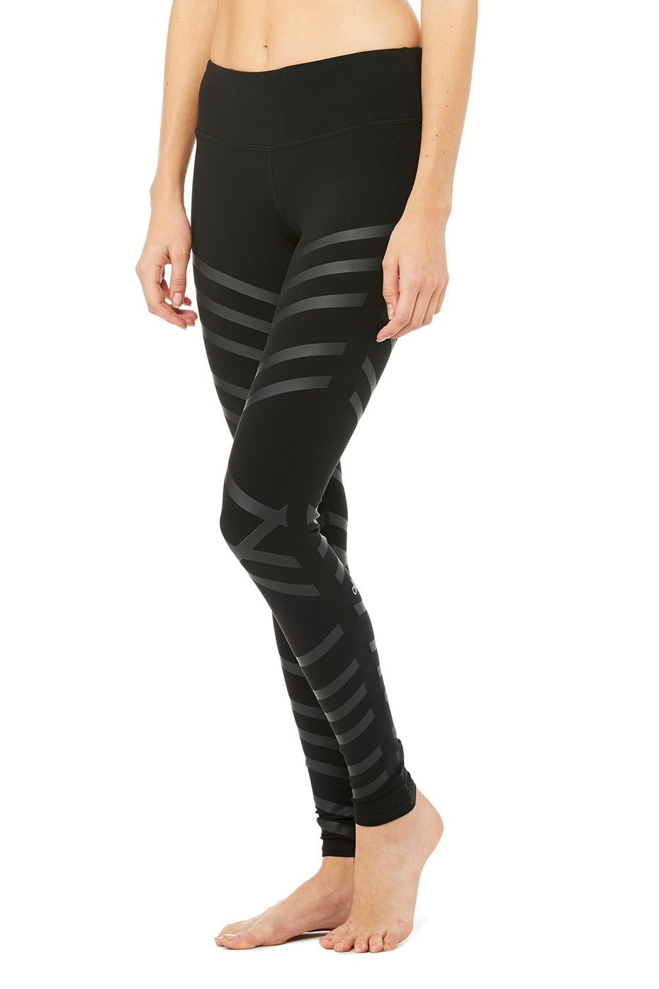 2b5ee330d9 <p>Tech and fashion collide with our newest printed Airbrush Legging. New  engineered matte/shine print is perfectly placed to contour your body while  ...