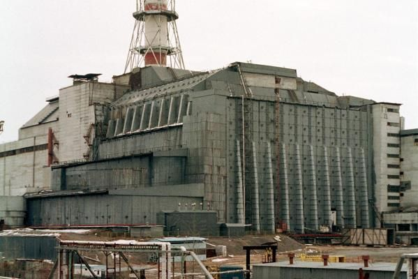 Chernobyl roof collapse 'no threat' | negru de fum, negru de