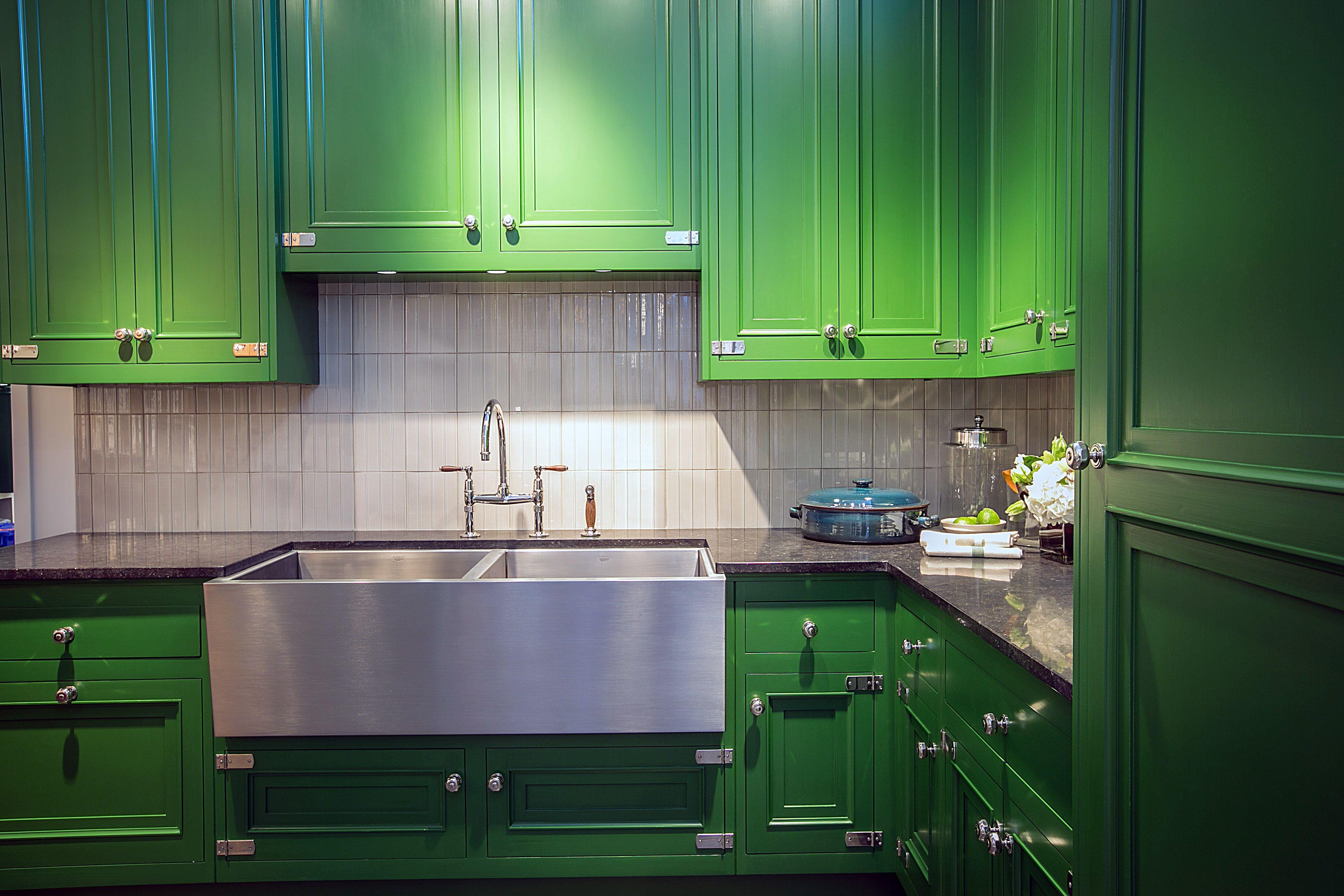 Waterworks Kitchen in Chicago Showroom | Classic kitchen ...
