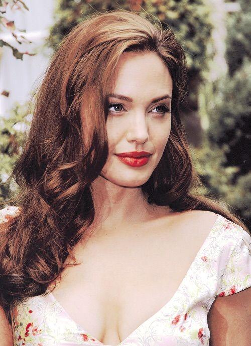 Image via We Heart It #AngelinaJolie #angelinajolie