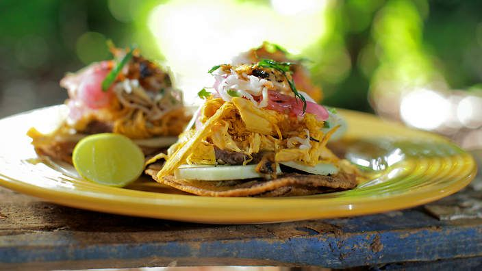 MEXICAN Chicken panucho (panucho de pollo)