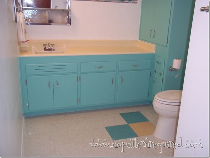 Holiday Turquoise Retro Bathroom Reveal in Mom's 1950s Time Capsule Condo!!!