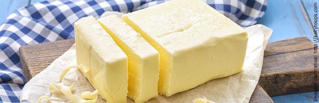 Muitas pessoas me perguntam o motivo das receitas pedirem manteiga sem sal e se podem substituir por manteiga com sal, na maioria das vezes eu respondo que
