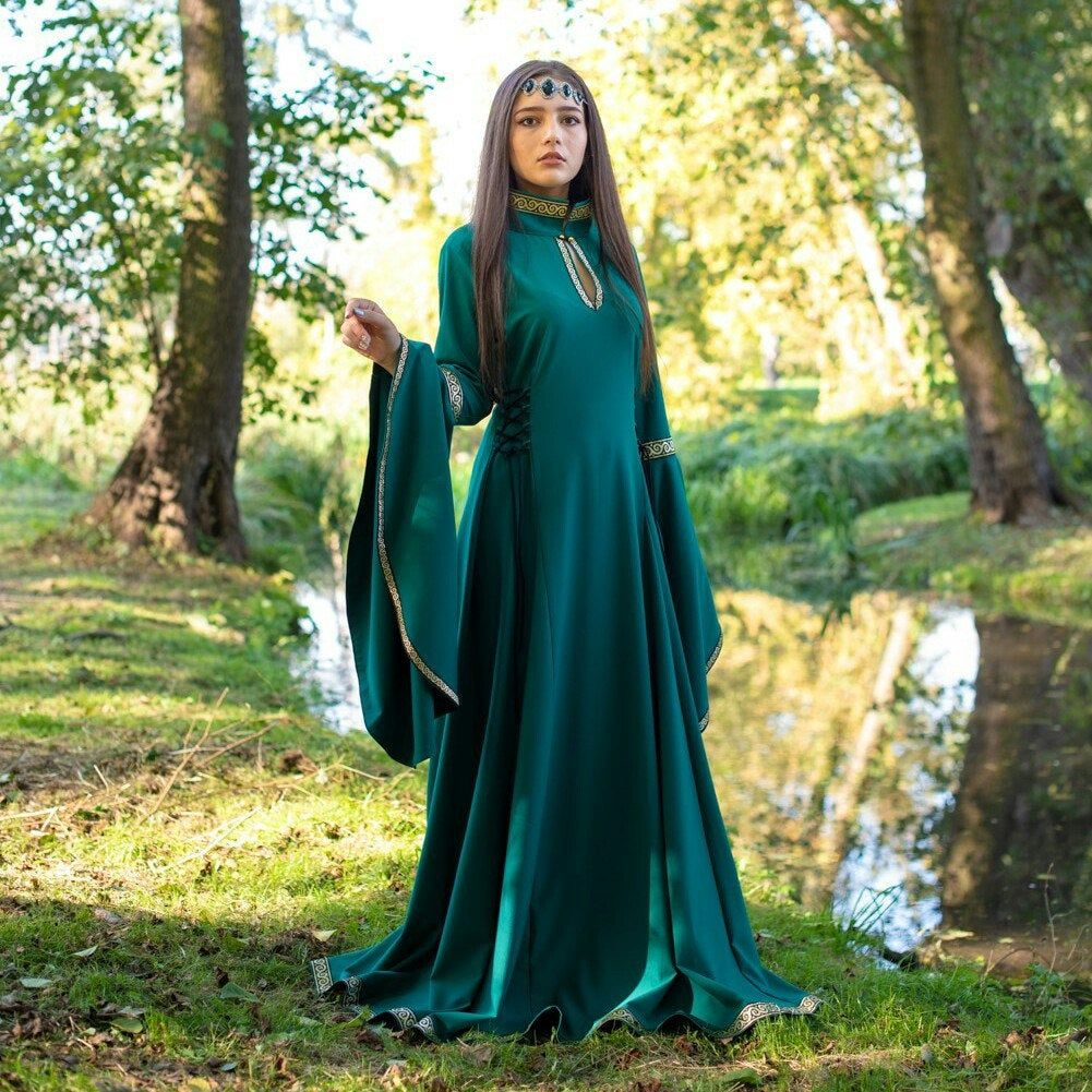 Medieval dress with long sleeves in the style Boho. Celtic