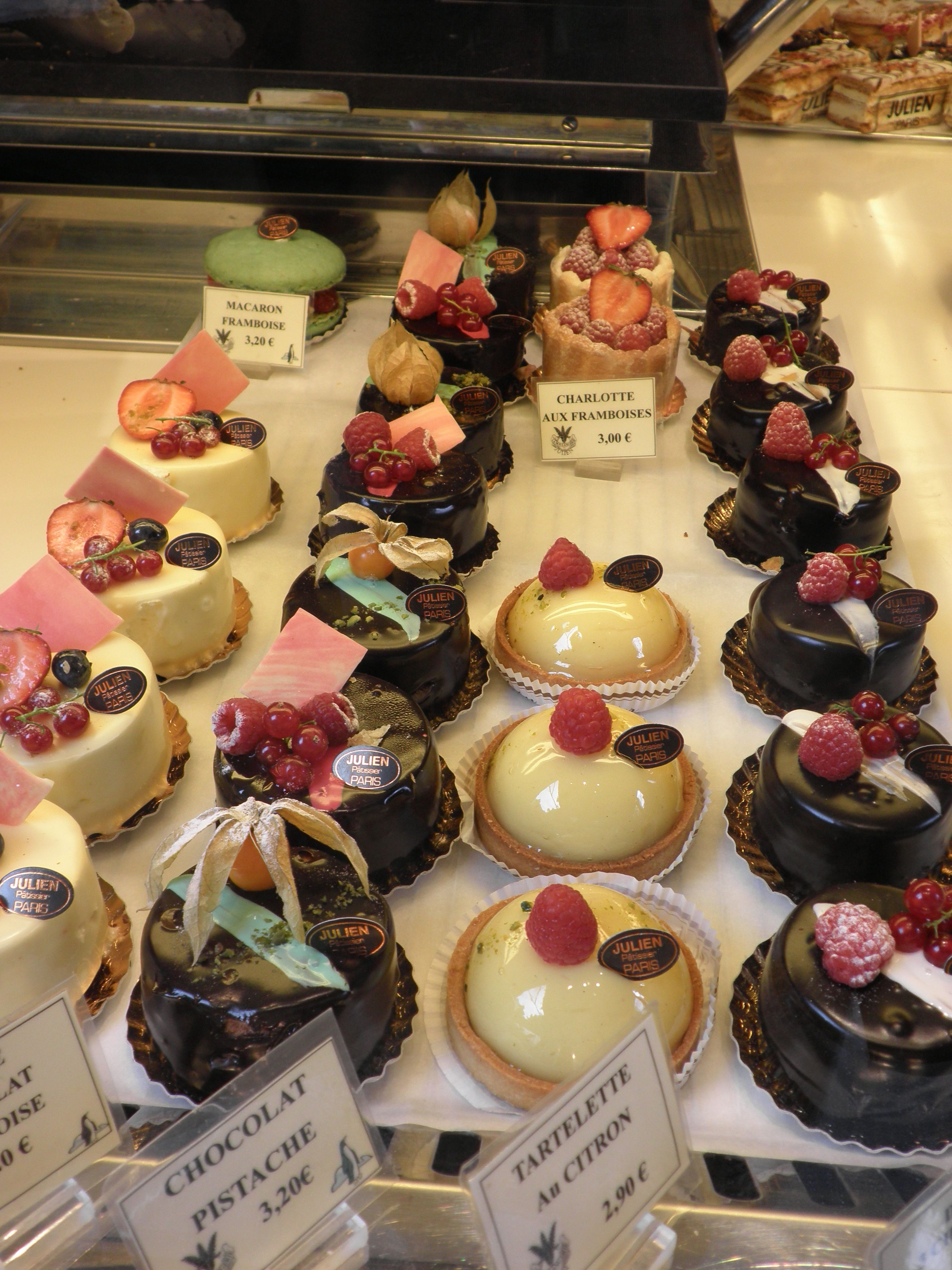 Fauchon Stores In Paris In 2019 Pastry Cake Dessert