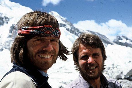Reinhold Messner  (Bressanone, 17 settembre 1944) Raggiunge senza bombole di ossigeno la vetta dell'Everest. La missione era considerata fino a quel momento impossibile, tanto che Messner e l'austriaco Peter Habeler, suo compagno, vengono accusati di aver utilizzato delle mini-bombole. Per mettere a tacere tali sospetti, Messner, il 20 agosto 1980, raggiunge di nuovo la vetta della montagna senza bombole e in solitaria.     #TuscanyAgriturismoGiratola