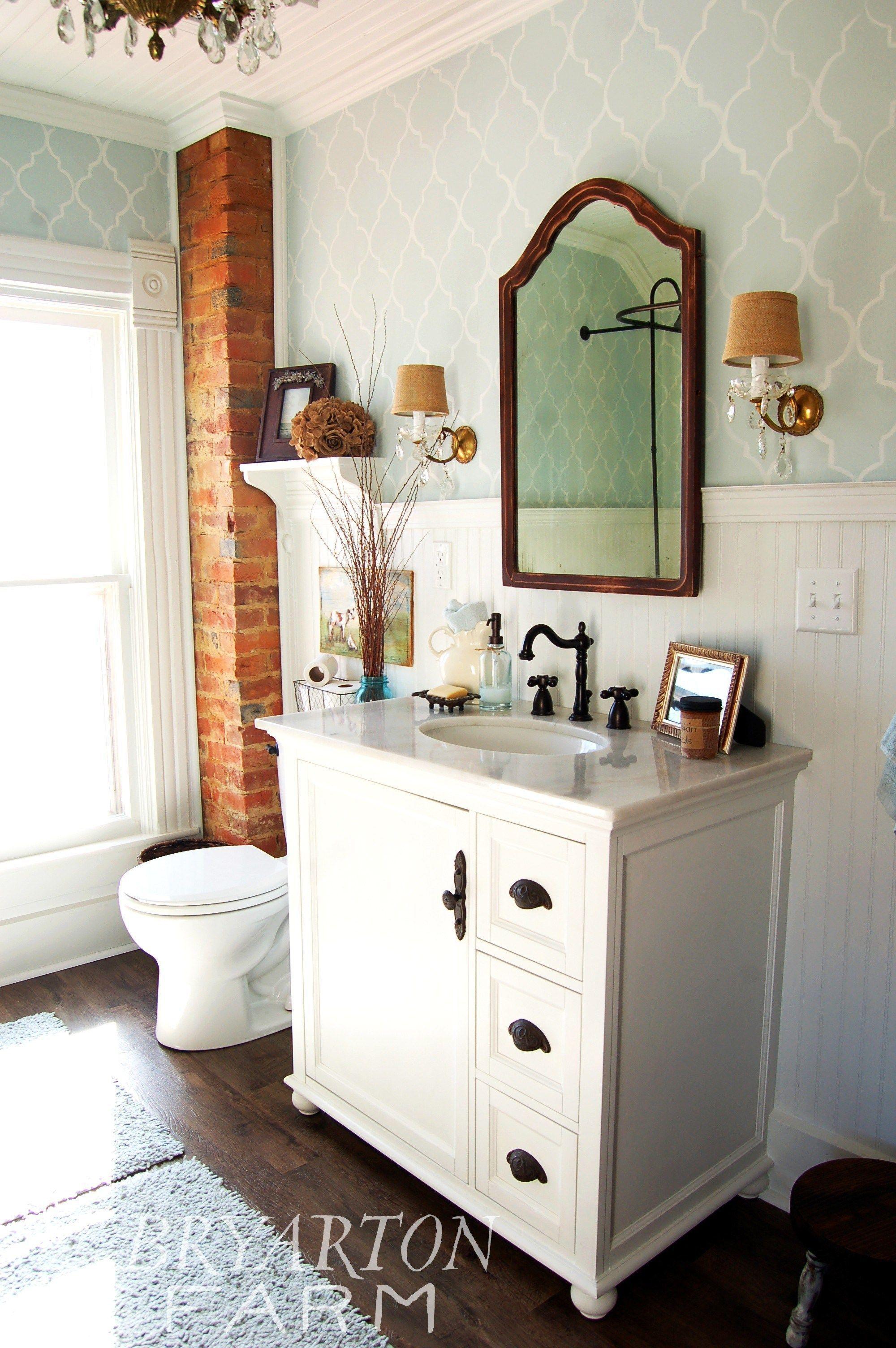 Wainscoting bathroom wainscotingbathroom wainscotinggold