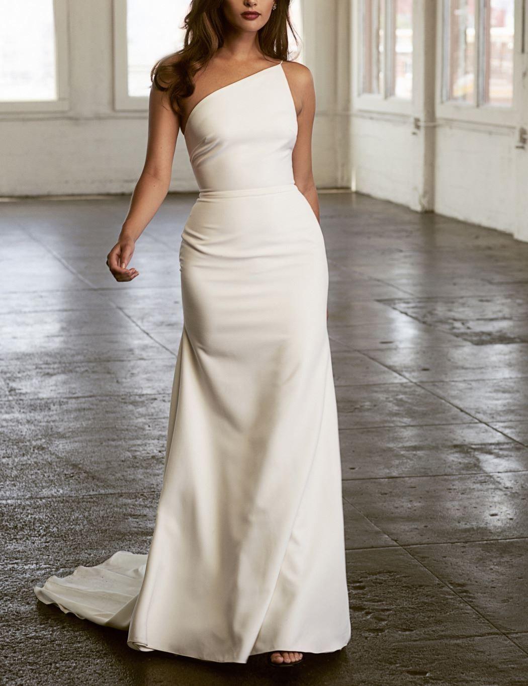 Sarah Seven Cindi One Shoulder Wedding Gown At Lovely Bride One Shoulder Wedding Gowns Wedding Dresses Modern Wedding Dress