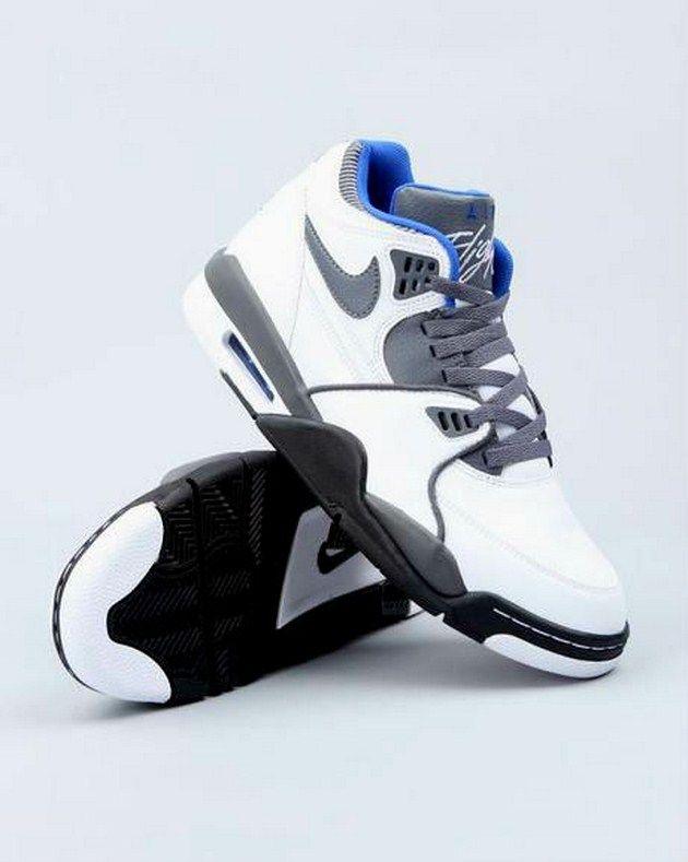 14d404c0db6993 Barack Obama In Air Jordans Nike Kobe 8 Ss Xmas Tree Stand