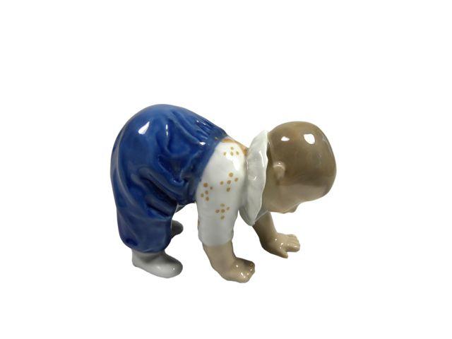 danish porcelan - crawling baby