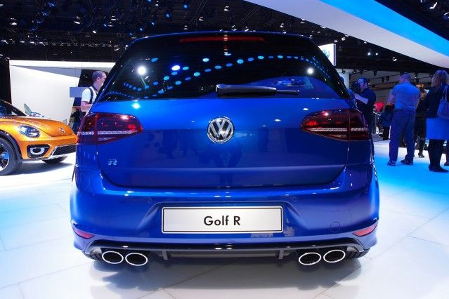 2016 Volkswagen Golf R Rear Side