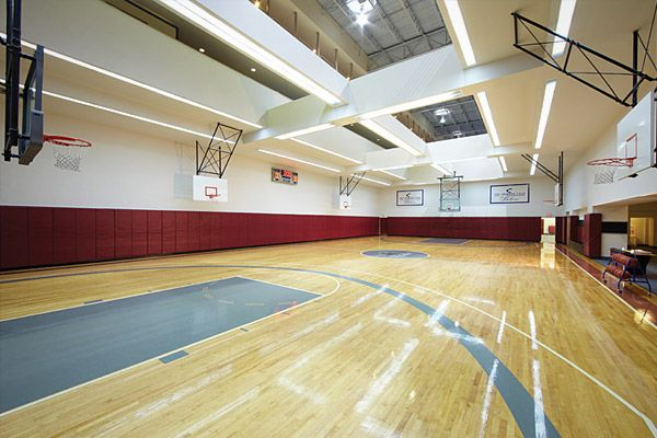 Indoor Basketball Gym | Sporting Club at the Bellevue, Philadelphia ...
