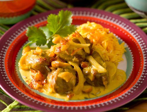 Agneau aux noix de cajou L'agneau se marie à merveille avec le curry et le poulet pour devenir un plat exotique. Voir la recette de l'agneau aux noix de cajou