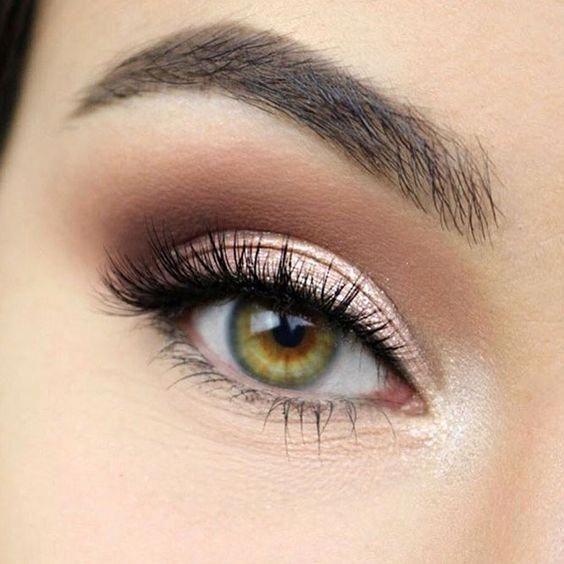 Es gibt nichts vielseitigeres als Augen Make-up. Gehören Sie zu denen, die denken ... #eyemakeup