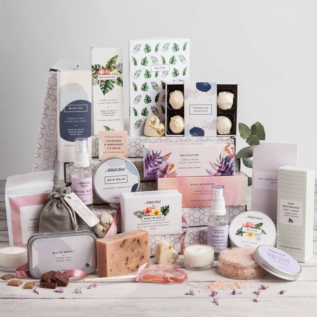 6 Christmas Hamper Gift Ideas To Make The Season Easier In 2020 Letterbox Gifts Gift Hampers Subscription Gifts