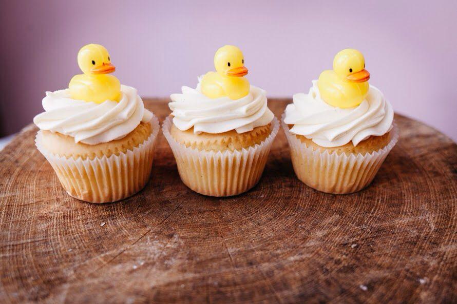 Adorable gender reveal cupcakes gender reveal cupcakes