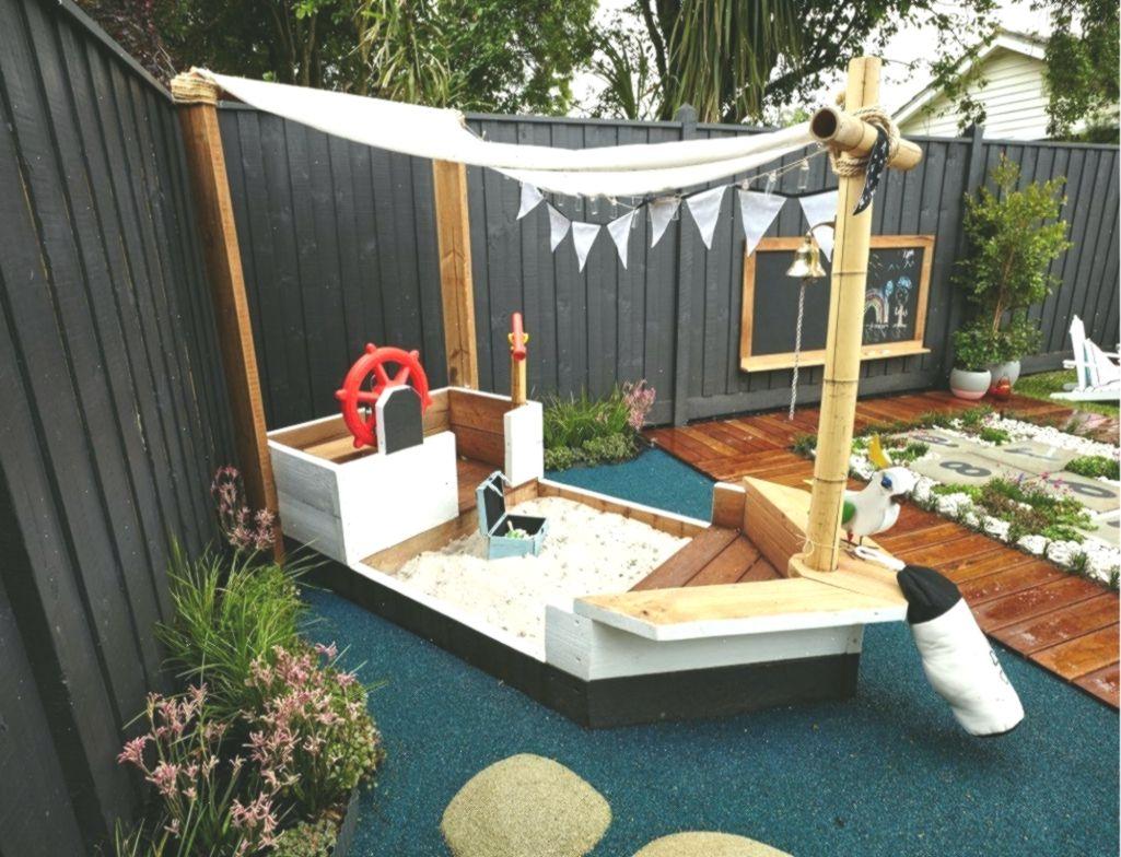 Sandkasten Piratenschiff Selber Bauen Anleitung Garten Gestalten Spielplatz Gart Kidsoutdoor Anl Backyard Playground Backyard Entertaining Backyard For Kids