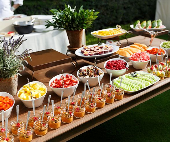 Brunch garden outdoor wedding reception ideas colin for Outdoor brunch decorating ideas