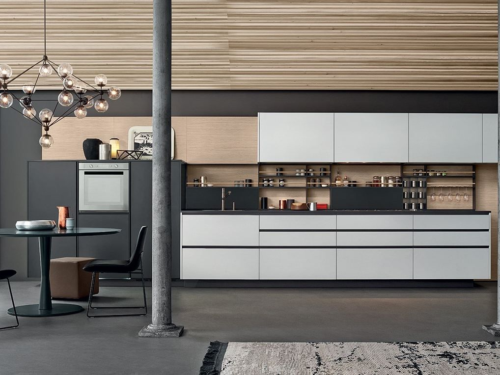 Lacquered kitchen with handles MY by Varenna by
