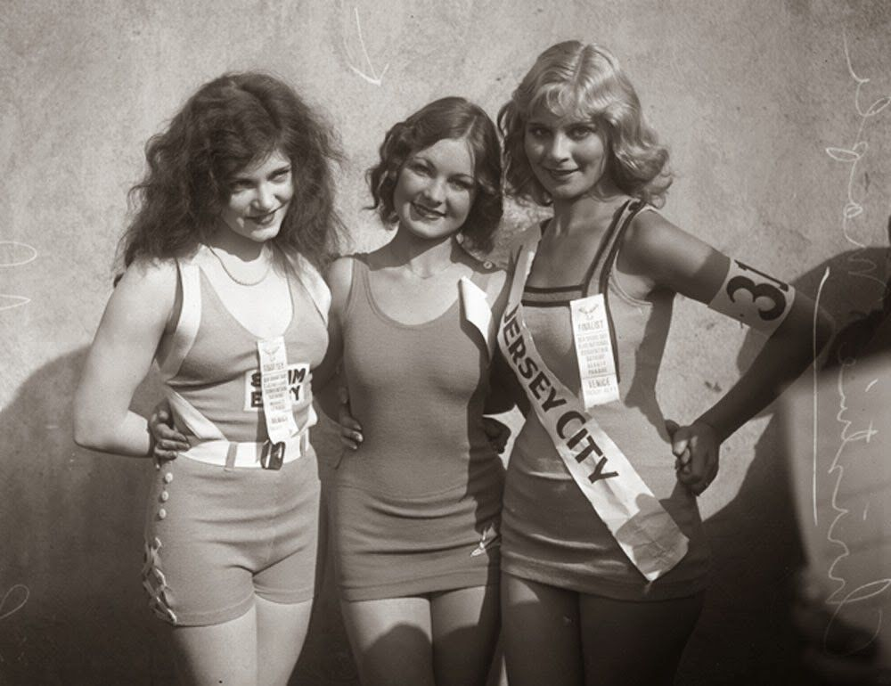 Beauty pageant, 1935