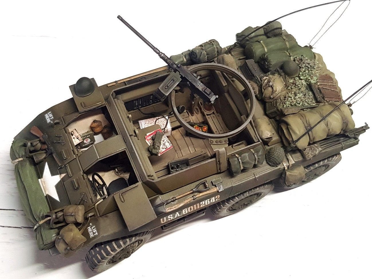 Legend 1//35 M8 Greyhound US Light Armored Car WWII Stowage Set LF1275 Tamiya