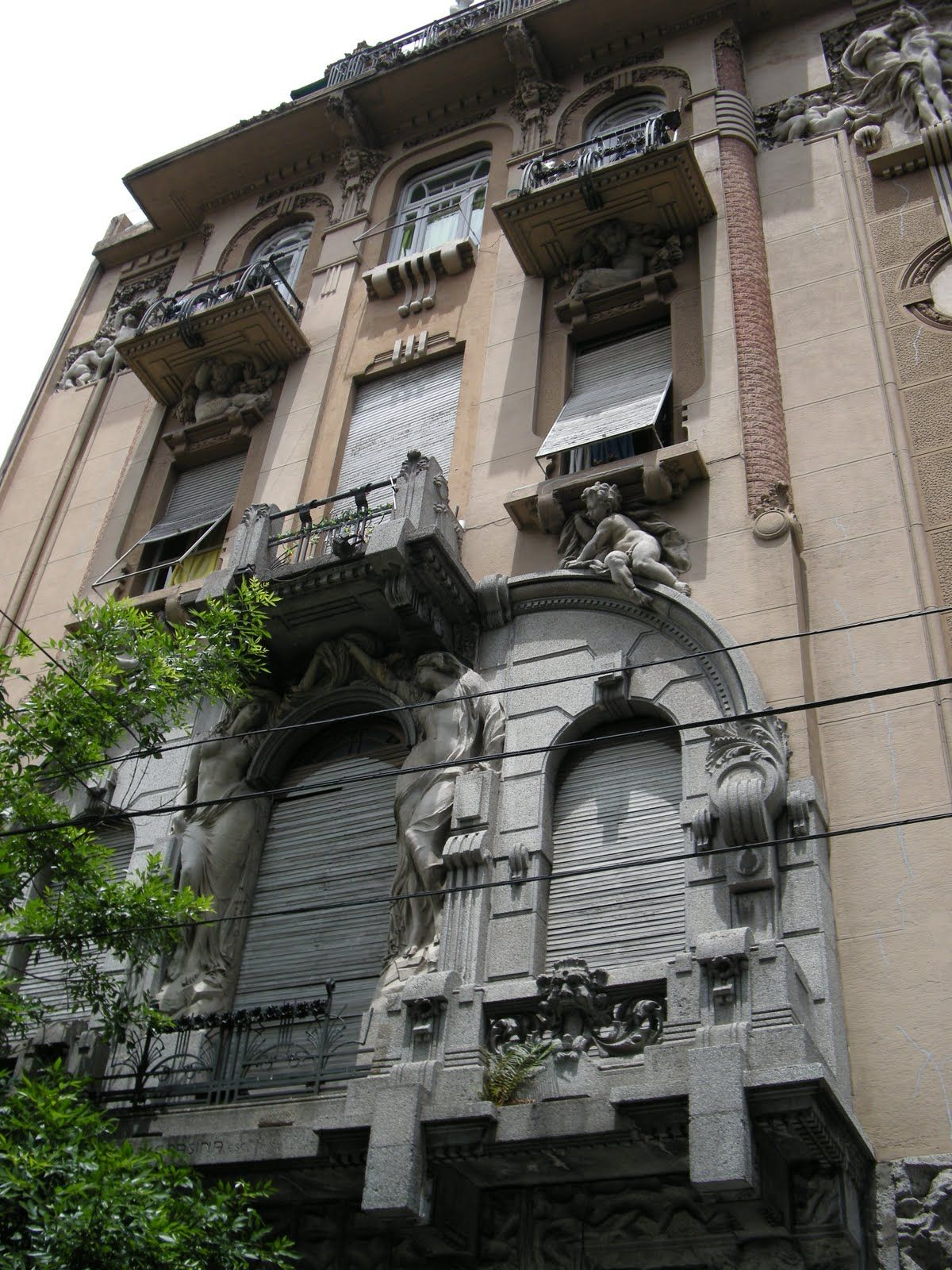 Italian architecture in Buenos Aires. Virgilio Colombo