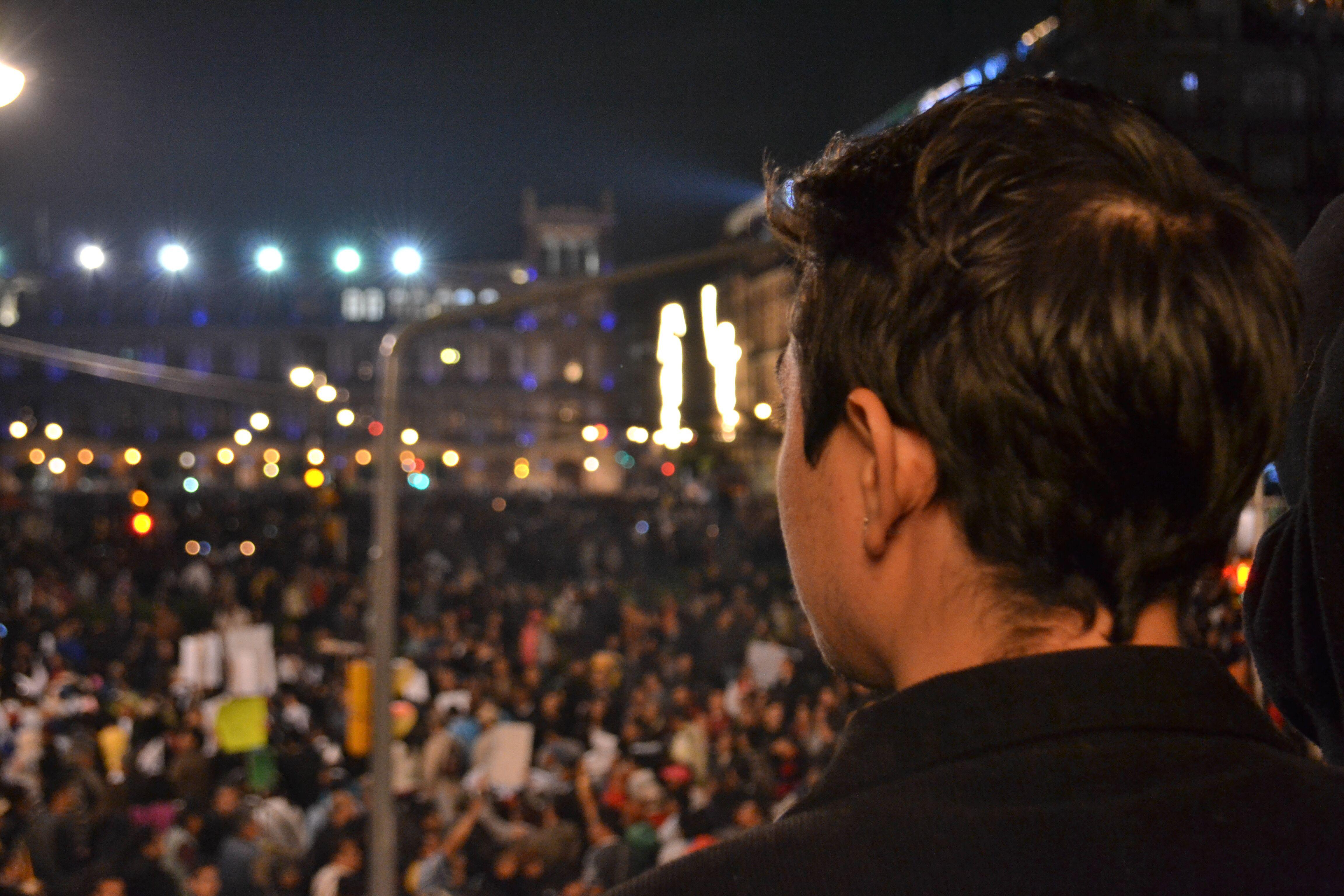 Miradas y multitudes Zócalo 20 de noviembre