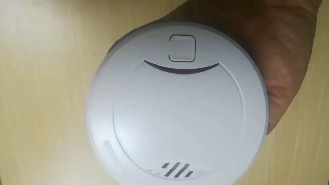 Best 10 Year Smoke Detector Smart Smoke And Fire Detectors For Fire Life Safety Video In 2020 Fire Detectors Detector Smoke Detector